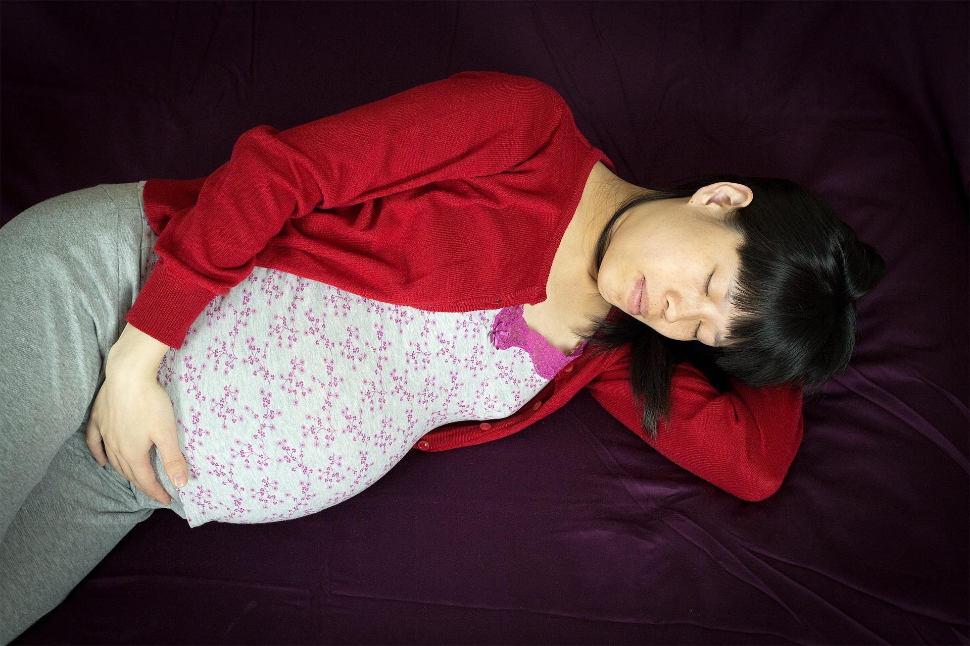 How to Sleep When Pregnant - Sleep Position
