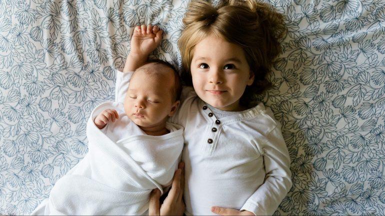 How much sleep do kids need - featured