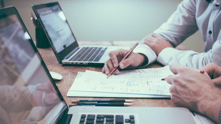 Work Hours Statistics - Featured