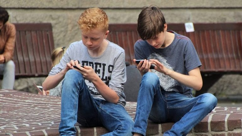 Cell Phone Addiction Statistics - Teenagers