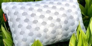 Layla Pillow Review - Featured